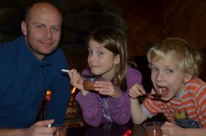 Mousse au chocolat, feu de foyer et tournoi de Skipbo